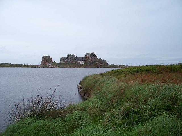 Castel meur la maison entre deux rochers - Maison entre deux rochers ...